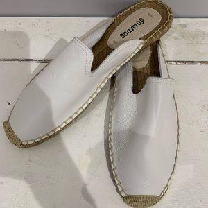Women's leather slides